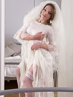 Amber S strips naked in her wedding dress